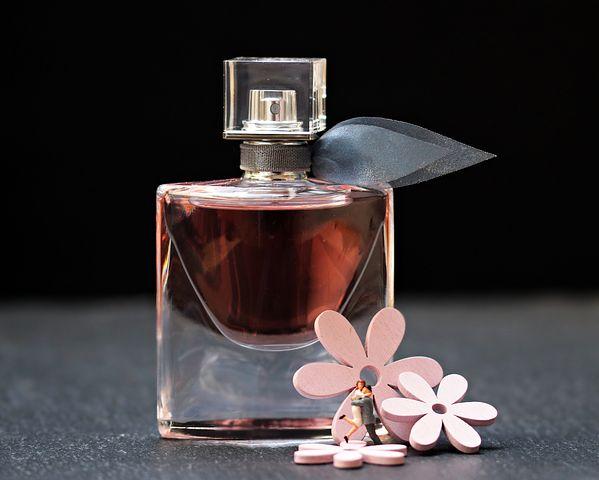 Parfum Femmes – Entre Quel Choisir wTZuOklPiX
